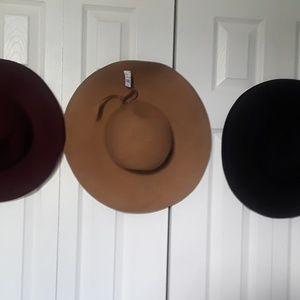 Accessories - Ladies Floppy Wide Brim Wool Felt Hat